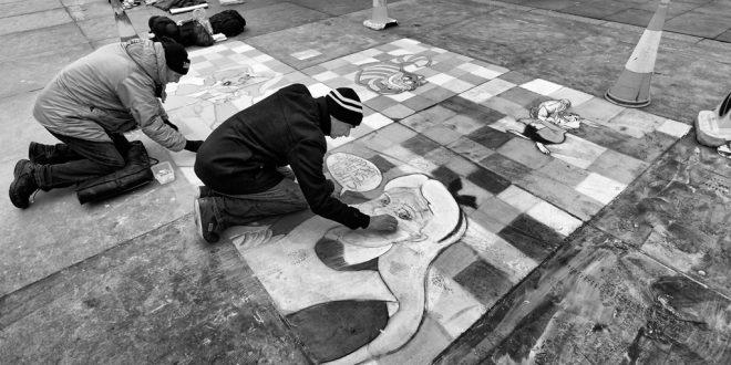 More Trafalgar Square chalk drawings…